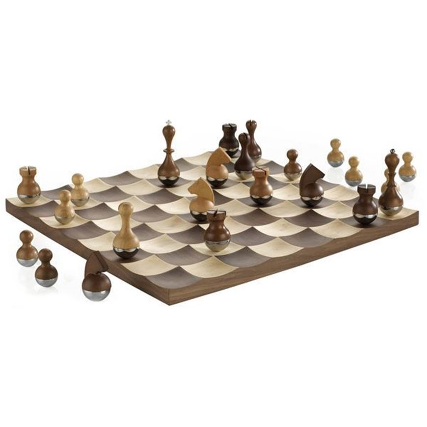 Picture of WOBBLE chess set 38x38 brown